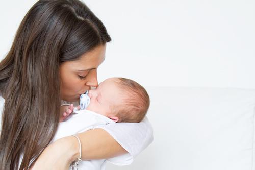 sesiones-recien-nacido-bebe-y-mama