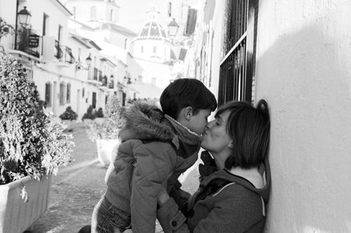 beso-en-blanco-y-negro
