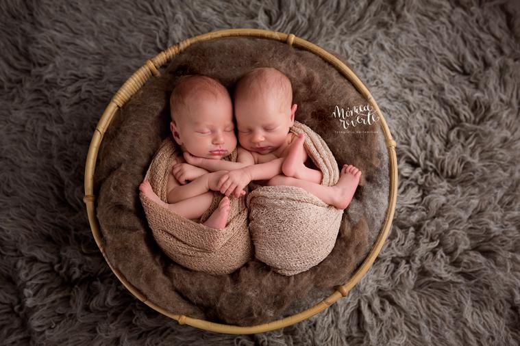 Reportajes de recién nacidos mellizos en Madrid