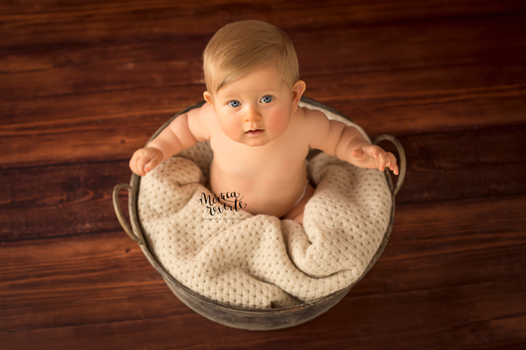 Reportajes de bebes en Madrid: Fotos de una bebé de 6 meses