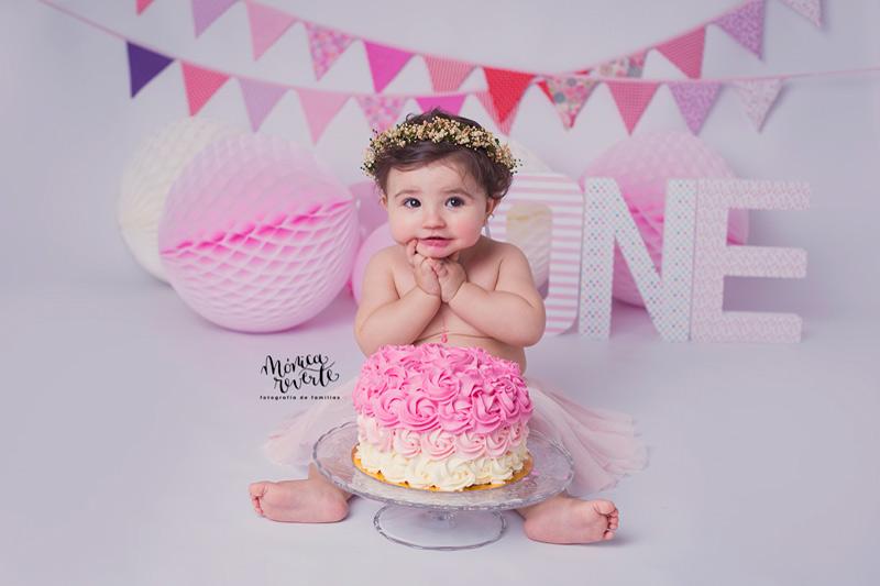 Sesión de fotos cumpleaños bebé 1 año en Madrid estudio