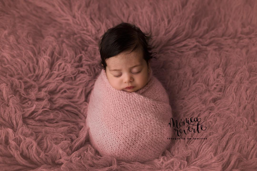 fotografa estudio sesión de fotos de recién nacido en Madrid
